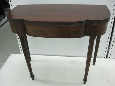 Card Table, late 18th century. Mahogany, boxwood, 29 1/2 x 32 x 18 1/2 in. (74.9 x 81.3 x 47 cm). Brooklyn Museum, Bequest of Elisabeth Sloan Livingston, 2004.35.7. Creative Commons-BY