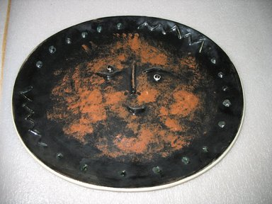 Madoura Potter. Platter, 1947-1971. Glazed earthenware, 1 1/2 x 15 5/8 x 12 7/8 ins. Brooklyn Museum, Gift of the Estate of Dr. Eleanor Z. Wallace, 2007.41.8. Creative Commons-BY