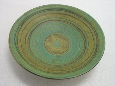 Glidden Pottery (1940-1957). Bowl, Green Mesa, 1940-1957. Glazed earthenware, 3 x 14 1/8 in. (7.6 x 35.9 cm). Brooklyn Museum, Gift of Paul F. Walter, 2007.62.18. Creative Commons-BY