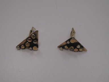 Art Smith (American, 1917-1982). Pair of Cuff Links, 1974. Gold and silver, 1 x 1 x 1/2 in. (2.5 x 2.5 x 1.3 cm). Brooklyn Museum, Gift of Linda Kandel Kuehl in loving memory of her husband, John R. Kuehl, 2011.89.4a-b. Creative Commons-BY