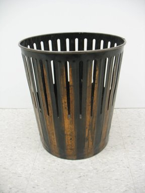 Erie Art Metal Company (late 19th-early 20th century). Waste Basket, ca. 1910. Copper, height: 14 1/2 in. (36.8 cm). Brooklyn Museum, Brooklyn Museum Collection, 2012.68. Creative Commons-BY