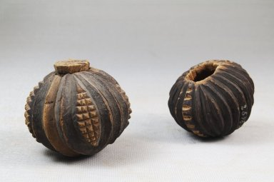 Nguni. Pair of Snuff Containers, late 19th century. Wood with cork lid, a: H: 1.75in. (4.4cm). Brooklyn Museum, Museum Expedition 1922, Robert B. Woodward Memorial Fund, 22.1070a-b. Creative Commons-BY