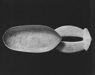 Boa. Spoon (Kalukili), 19th century. Ivory, 6 3/4 x 2 3/16 in. (17.1 x 5.6 cm). Brooklyn Museum, Museum Expedition 1922, Robert B. Woodward Memorial Fund, 22.1223. Creative Commons-BY