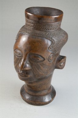 Kuba. Single Head Goblet (Mbwoongntey), 19th century. Wood, 6 1/2 x 4 x 4 in. (16.5 x 10.2 x 10.2 cm). Brooklyn Museum, Museum Expedition 1922, Robert B. Woodward Memorial Fund, 22.126. Creative Commons-BY