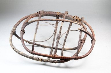 Hinged Basket, early 20th century. Fiber, (23.0 x 10.5 cm). Brooklyn Museum, Museum Expedition 1922, Robert B. Woodward Memorial Fund, 22.1286. Creative Commons-BY