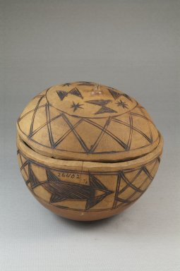 Covered Bowl, late 19th or early 20th century. Gourd, height: 5 1/8 in. (13 cm); diameter: 5 1/8 in. (13 cm). Brooklyn Museum, Museum Expedition 1922, Robert B. Woodward Memorial Fund, 22.1359. Creative Commons-BY