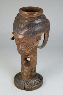 Kuba (Bushoong subgroup). Single Head Goblet (Mbwoongntey), early 20th century. Wood, 8 1/16 x 3 1/2 in. (20.5 x 8.9 cm). Brooklyn Museum, Museum Expedition 1922, Robert B. Woodward Memorial Fund, 22.1485. Creative Commons-BY