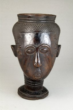 Kuba. Single Head Goblet (Mbwoongntey), early 20th century. Wood, 6 11/16 x 4 5/16 in. (17 x 11 cm). Brooklyn Museum, Museum Expedition 1922, Robert B. Woodward Memorial Fund, 22.153. Creative Commons-BY