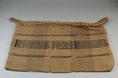 Kongo. Bag, 19th century. Raffia fiber, 10 1/2 x 15 1/2 in. (26.7 x 39.4 cm). Brooklyn Museum, Museum Expedition 1922, Robert B. Woodward Memorial Fund, 22.1629. Creative Commons-BY