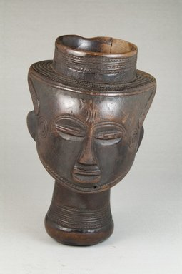 Kuba. Single Head Goblet (Mbwoongntey), early 20th century. Wood, 6 7/8 x 4 1/8 x 4 1/8 in. (17.5 x 10.5 x 10.5 cm). Brooklyn Museum, Museum Expedition 1922, Robert B. Woodward Memorial Fund, 22.167. Creative Commons-BY