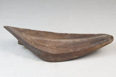 Ngombe. Spoon, late 19th to early 20th century. Wood, 2 3/16 x 6 1/8 in. (5.6 x 15.6 cm). Brooklyn Museum, Museum Expedition 1922, Robert B. Woodward Memorial Fund, 22.378. Creative Commons-BY