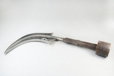 Mangbetu. Knife (Trumbash), late 19th or early 20th century. Wood, iron, metal wire, 3 3/4 x 16 1/2 in. (9.5 x 41.9 cm). Brooklyn Museum, Museum Expedition 1922, Robert B. Woodward Memorial Fund, 22.462. Creative Commons-BY