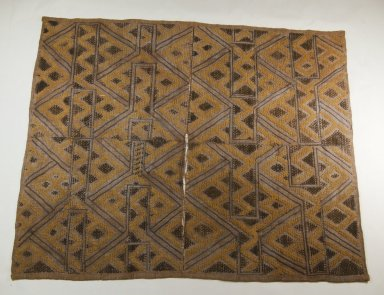 Kuba. Raffia Cut-Pile Cloth, 19th century. Raffia, 27 9/16 x 22 13/16 in. (70 x 58 cm). Brooklyn Museum, Museum Expedition 1922, Robert B. Woodward Memorial Fund, 22.553. Creative Commons-BY