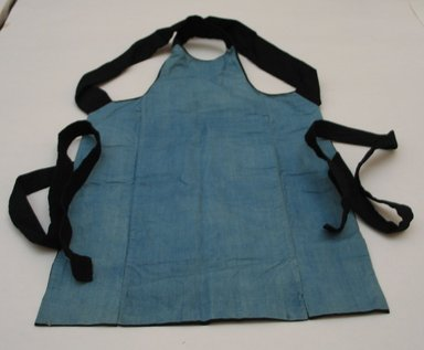 Workman's Apron. Cotton, 27 15/16 x 17 5/16 in. (71 x 44 cm). Brooklyn Museum, Gift of Mrs. Allan Cowperthwait, 25.764. Creative Commons-BY