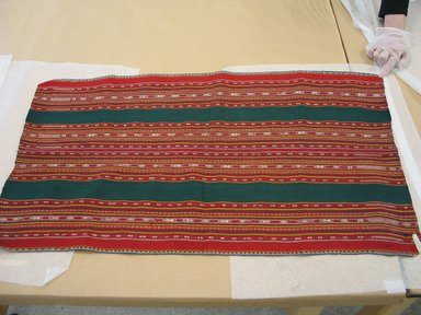 Aymara. Shawl, 20th Century. Camelid fiber, 19 1/2 x 34 1/2 in. (49.5 x 87.6 cm). Brooklyn Museum, Alfred T. White Fund, 30.1165.28. Creative Commons-BY
