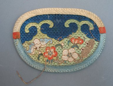 Purse for Woman, early 20th century. Silk, 5 1/8 x 3 3/4 in. (13 x 9.5 cm). Brooklyn Museum, Brooklyn Museum Collection, 34.1032. Creative Commons-BY