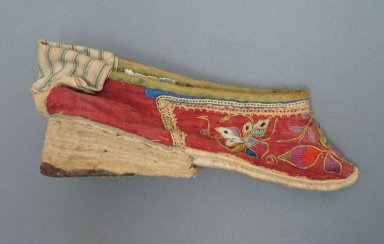 Shoe for a Woman's Bound Feet, 19th century. Cloth cotton, leather, 3 1/8 x 7 1/16 in. (8 x 18 cm). Brooklyn Museum, Brooklyn Museum Collection, 34.1497. Creative Commons-BY