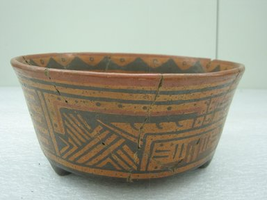 Tripod Bowl, 800-1200. Ceramic, pigment, 3 3/4 x 8 x 7 3/4 in. (9.5 x 20.3 x 19.7 cm). Brooklyn Museum, Alfred W. Jenkins Fund, 34.1872. Creative Commons-BY