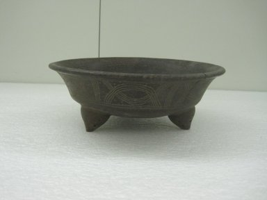 Tripod Bowl, 800-1500. Ceramic, 3 1/2 x 9 11/16 x 9 3/4 in. (8.9 x 24.6 x 24.8 cm). Brooklyn Museum, Alfred W. Jenkins Fund, 34.2336. Creative Commons-BY