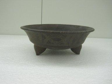Tripod Bowl, 800-1500. Ceramic, 3 1/2 x 9 11/16 x 9 3/4 in. (8.9 x 24.6 x 24.8 cm). Brooklyn Museum, Alfred W. Jenkins Fund, 34.2336. Creative Commons-BY
