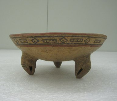 Tripod Bowl, 1000-1550. Ceramic, pigments, 3 5/8 x 8 5/8 x 8 15/16 in. (9.2 x 21.9 x 22.7 cm). Brooklyn Museum, Alfred W. Jenkins Fund, 34.2615. Creative Commons-BY