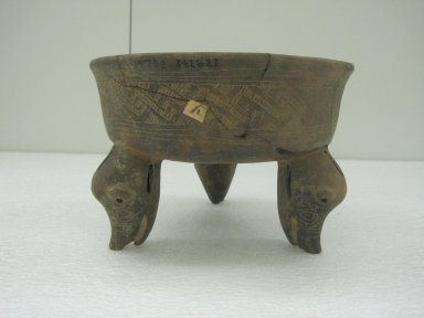 Tripod Bowl, 800-1500. Ceramic, pigment, 5 3/4 x 8 1/2 x 8 1/4 in. (14.6 x 21.6 x 21 cm). Brooklyn Museum, Alfred W. Jenkins Fund, 34.2623. Creative Commons-BY