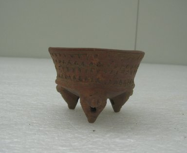 Tripod Bowl, 300-800. Ceramic, pigment, 2 5/16 x 3 7/16 x 3 1/4 in. (5.9 x 8.7 x 8.3 cm). Brooklyn Museum, Alfred W. Jenkins Fund, 34.2719. Creative Commons-BY