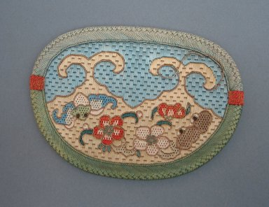 Apricot Shaped Purse for Woman. Embroidery, 5 1/2 x 3 15/16 in. (14 x 10 cm). Brooklyn Museum, Brooklyn Museum Collection, 34.901. Creative Commons-BY
