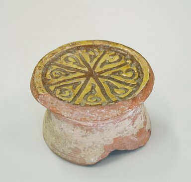 Byzantine. Round Bowl on a High Boss, 13th century. Ceramic, 1 11/16 x 2 3/4 in. (4.3 x 7 cm). Brooklyn Museum, Frank L. Babbott Fund and Henry L. Batterman Fund, 36.189. Creative Commons-BY
