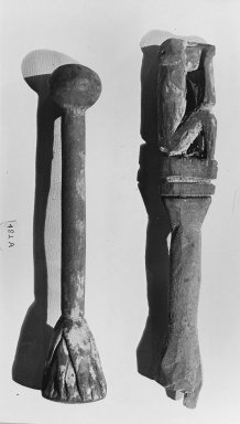 Handle Surmounted by the Figure of a Seated Monkey. Wood Brooklyn Museum, Charles Edwin Wilbour Fund, 37.1596E. Creative Commons-BY
