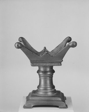 Altar. Bronze, 5 11/16 x 3 1/8 x 3 1/8 in. (14.5 x 8 x 8 cm). Brooklyn Museum, Charles Edwin Wilbour Fund, 37.1613E. Creative Commons-BY