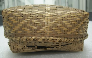 Rectangular Basket with Cover, early 20th century. Vegetal fiber, (7.5 x 15.3 cm). Brooklyn Museum, Gift of Mrs. Frederic B. Pratt, 37.203a-b. Creative Commons-BY
