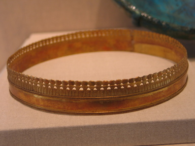 Circlet for Head, ca. 1295-1070 B.C.E. Gold, 1 x 6 11/16 in. (2.6 x 17 cm). Brooklyn Museum, Charles Edwin Wilbour Fund, 37.702E. Creative Commons-BY