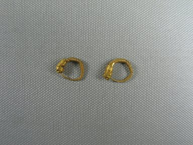 Small Loop Earring with Lion's Head, late 4th-3rd century B.C.E. Gold, Diameter: 5/8 in. (1.6 cm). Brooklyn Museum, Charles Edwin Wilbour Fund, 37.775E. Creative Commons-BY
