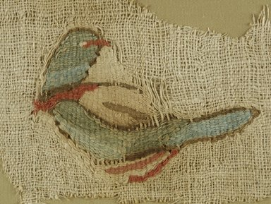 Coptic. Bird, 5th- 6th century C.E. Flax, wool, 4 3/4 x 8 in. (12.1 x 20.3 cm). Brooklyn Museum, Gift of Pratt Institute, 41.792. Creative Commons-BY