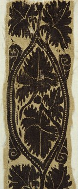 Coptic. Border with Grapevine Motif, 4th-5th century C.E. Flax, wool, 19 1/4 x 3 1/2 in. (48.9 x 8.9 cm). Brooklyn Museum, Gift of Pratt Institute, 41.810. Creative Commons-BY
