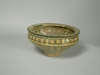 Bowl, 14th century. Pottery, 3 3/4 x 7 3/8 in. (9.6 x 18.7 cm). Brooklyn Museum, Gift of Mrs. Horace O. Havemeyer, 42.212.1. Creative Commons-BY