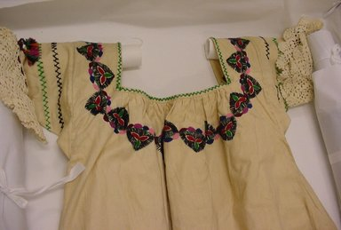Quichua. Otavalo Woman's Outfit, ca. 1940. Cotton, wool, felt, (a) blouse: 44 1/2 x 32 1/2 in. (113 x 82.6 cm). Brooklyn Museum, Frank L. Babbott Fund, 42.385a-g. Creative Commons-BY