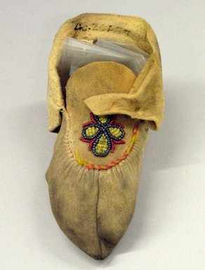 Possibly Cree (Native American). Child's Moccasin, early 20th century. Buckskin, 6 1/8 x 3 1/8 in. (15.6 x 7.9 cm). Brooklyn Museum, Anonymous gift in memory of Dr. Harlow Brooks, 43.201.77. Creative Commons-BY