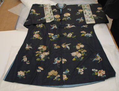 Embroidered Robe, 20th century., width at waist: 25 3/16 x 40 15/16 in. (64 x 104 cm). Brooklyn Museum, Gift of Jane Van Vleck, 44.185.15. Creative Commons-BY