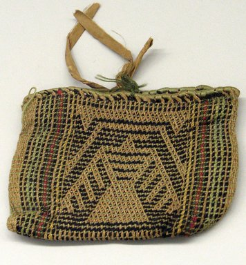 Hochunk (Native American). Twined Medicine Bag with Thunderbird Design. Bison wool, nettle fiber, yarn, 12.8 x 18 cm / 5 x 7 in. Brooklyn Museum, By exchange, 46.100.32. Creative Commons-BY