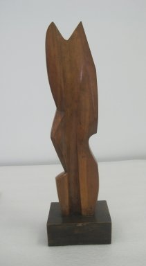 Warren Wheelock (American, 1880-1960). Abstraction #2, 1920s. Applewood with darker wood base, Overall (with base): 25 3/4 x 7 1/2 x 5 11/16 in. (65.4 x 19.1 x 14.4 cm). Brooklyn Museum, Dick S. Ramsay Fund, 46.125