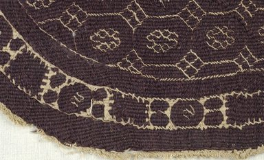 Coptic. Large Tapestry Roundel, 3rd-4th century C.E. Wool, linen, 9 7/16 x 10 7/16 in. (24 x 26.5 cm). Brooklyn Museum, Gift of Pratt Institute, 46.157.21. Creative Commons-BY