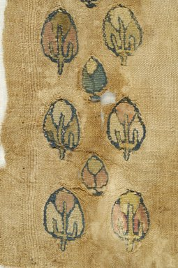 Coptic. Fragment of Linen Cloth with Tapestry Woven Inserts, 6th- 7th century C.E. Linen, wool, 10 1/4 x 7 5/16 in. (26 x 18.5 cm). Brooklyn Museum, Gift of Pratt Institute, 46.157.9. Creative Commons-BY