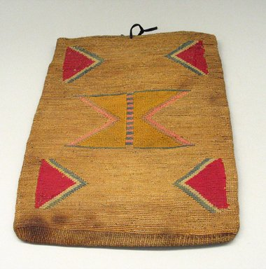 Nez Perce (Native American). Flat Handbag. Wool, cotton, vegetable fiber Brooklyn Museum, Gift of Adelaide Goan, 55.96.37. Creative Commons-BY