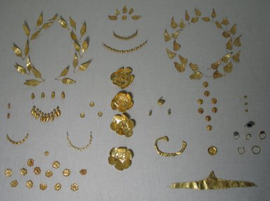 Laurel Leaves Probably from a Wreath, late 4th century B.C.E. Gold, 11/16 x 1 3/4 in. (1.7 x 4.5 cm). Brooklyn Museum, Gift of Mr. and Mrs. Thomas S. Brush, 71.79.128. Creative Commons-BY