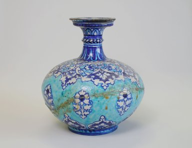 Vase, late 18th century. Crackled glazed ceramic, 9 3/4 x 8 7/8 in. (24.7 x 22.5 cm). Brooklyn Museum, Gift of Alvin Devereux, 72.42. Creative Commons-BY