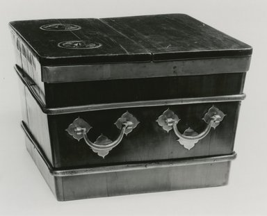 Ice Chest, 17th century. Hardwood, 13 3/4 x 20 x 20 in. (34.9 x 50.8 x 50.8 cm). Brooklyn Museum, Gift of Doris and Ed Wiener, 77.211. Creative Commons-BY