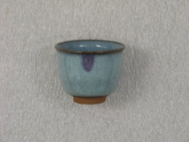 Hara Kiyoshi (Japanese, born 1936). Sake Cup, ca. 1965. Stoneware; Chun ware, 2 1/8 x 2 1/2 in. (5.4 x 6.4 cm). Brooklyn Museum, Gift of Martin Greenfield, 82.119.1. Creative Commons-BY