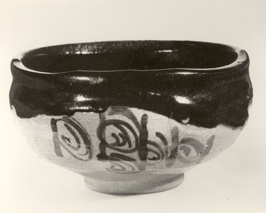 Tea Bowl, 20th century. Stoneware, Oribe ware, 2 5/8 x 4 3/4 in. (6.7 x 12.1 cm). Brooklyn Museum, Gift of Robert S. Anderson, 83.176.4. Creative Commons-BY